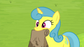 Lemon Hearts holding paper bag S4E22.png