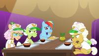 Rainbow Dash eats a hoofful of nachos S8E5