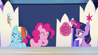 Rainbow and Pinkie Pie cracking up S6E15
