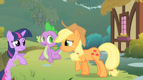 Twilight talks to Applejack about Pinkie S1E15