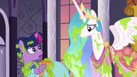 Twilight turns to Celestia for help S5E7