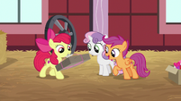Apple Bloom brings package to her friends S8E10