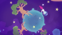 Astronaut Pinkie floats around an asteroid S9E4
