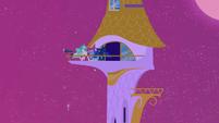 Celestia and Luna patrol S02E25