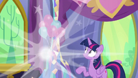 Discord vanishes before Twilight's eyes S7E1