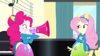 Pinkie Pie -you say 'Hands'!- SS4