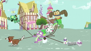 S03E11 Zwierzaki ciągną Spike'a