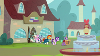 Starlight, Sunburst, and Firelight leaving the bookstore S8E8