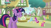 Twilight singing --my Ponyville-- S03E13