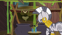 Zecora pours potion into a bottle S7E19