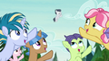 Camper foals pointing up at Rumble S7E21.png
