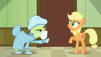 Granny Smith demanding an explanation S6E23