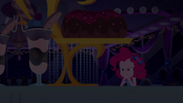Pinkie Pie sees bundt cake within sight EGSB