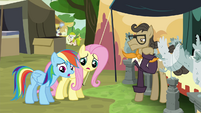 RD and Fluttershy let down by antique chicken trader S4E22