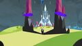 Tall crystals turning dark S3E2.png