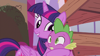 Twilight picks up Spike feeling hopeful S5E25