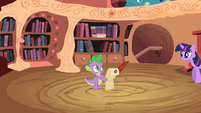 Twilight talking to Spike S2E3