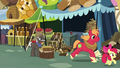 Apple siblings race to Sugarcube Corner S7E13.png