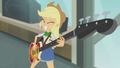 Applejack playing bass solo EG2.png