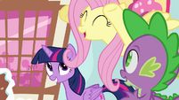 Fluttershy cheering -go, Pinkie, go!- S4E12