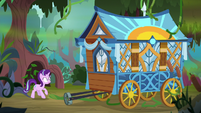 Hoo'Far's wagon breaks through the vines S8E19
