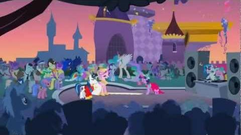 My Little Pony FiM - Love is in Bloom - Romanian