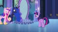 Princesa Luna falando para Twilight EG