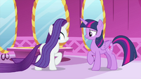 Rarity's mane temporarily stops moving MLPS1