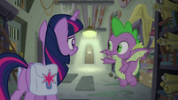 Spike pointing at First Folio's office door S9E5