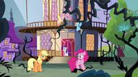 """Applejack """"half of Equestria"""" S4E01"""