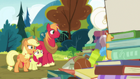 Applejack -that's all right, Goldie- S7E13