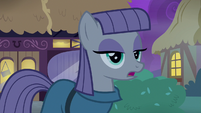 Maud Pie apologizing to Pinkie Pie S8E3