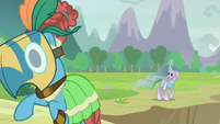 Meadowbrook and Mistmane see friends in trouble S9E24