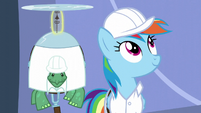 Rainbow looks at the lab S5E5