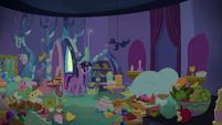 Twilight enters Spike's bedroom S8E24