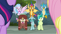 Young Six completely stunned S8E2