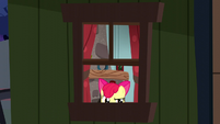 Apple Bloom opening a window S5E6