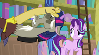 Discord imitating Twilight Sparkle S8E15