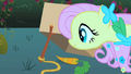 Fluttershy setting a trap S01E26.png