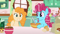 Pear Butter approves of Chiffon Swirl's baking S7E13.png