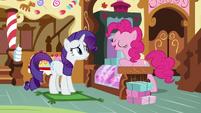 Pinkie Pie -it's pie season- S8E4