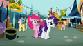 Pinkie Pie Rarity worry S02E19.png