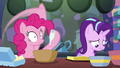 Pinkie Pie adding vanilla to the batter S6E21.png