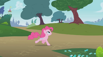 Pinkie Pie chasing Rainbow Dash S1E05