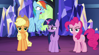 Rainbow Dash sticks up for Twilight Sparkle S7E26