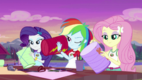 Rarity, Rainbow, and Fluttershy making paper lanterns EG4