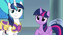Twilight and Shining Armor look at Celestia S9E4