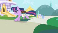 592px-Twilight Sparkle running S01E01