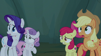 AJ, Rarity, and Crusaders hear loud buzzing outside S7E16
