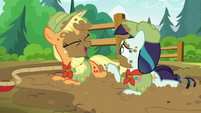 Applejack and Rara having a laugh together S5E24